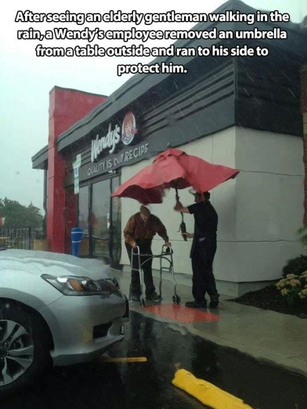 Pictures That Will Restore Your Faith In Humanity - 2. And this one of an employee going out of his way to help.