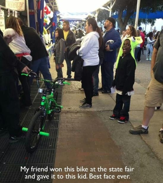 Pictures That Will Restore Your Faith In Humanity - 3. When this person gave his bike away to a little kid.