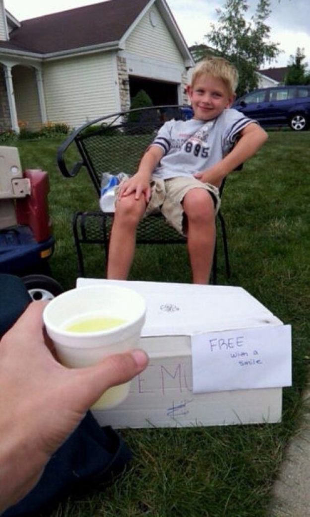 Pictures That Will Restore Your Faith In Humanity - 6. And this little kid invented a new form of currency.